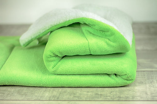 SHERPA Fleece Decke lime/creme